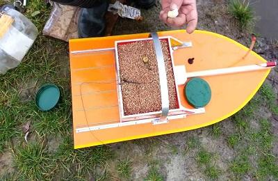 Прикормочный кораблик